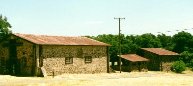 farmbuildings.jpg (17756 bytes)